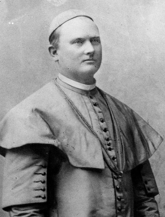 Julije Drohobeczky (1853 – 1934.) biskup, politički i kulturni djelatnik