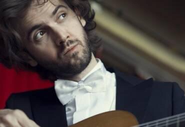 Guitarra viva – Petrit Çeku